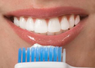 Як часто необхідно проводити чистку зубів
