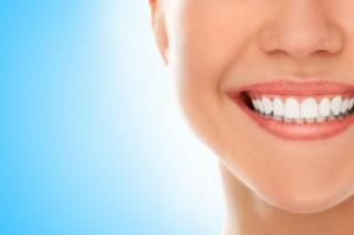 Чи можна відбілити зуби в домашніх умовах