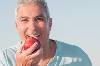 Як зберегти зуби здоровими до глибокої старості